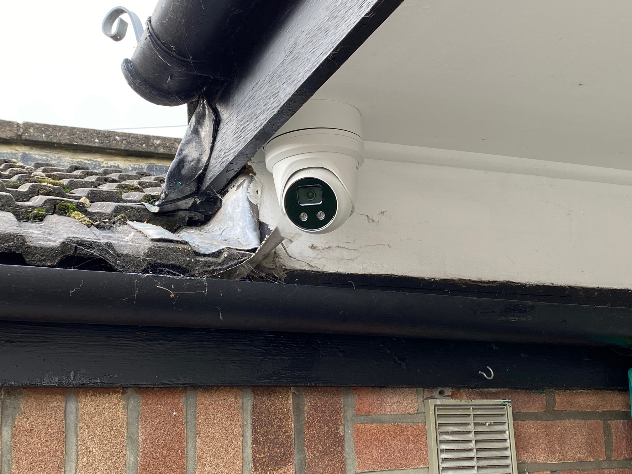 4MP Accusense Hikvision CCTV Bromley